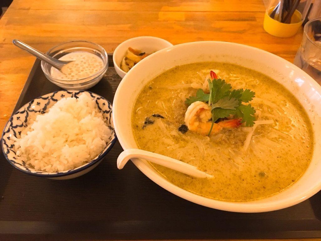 海老のグリーンカレー麺